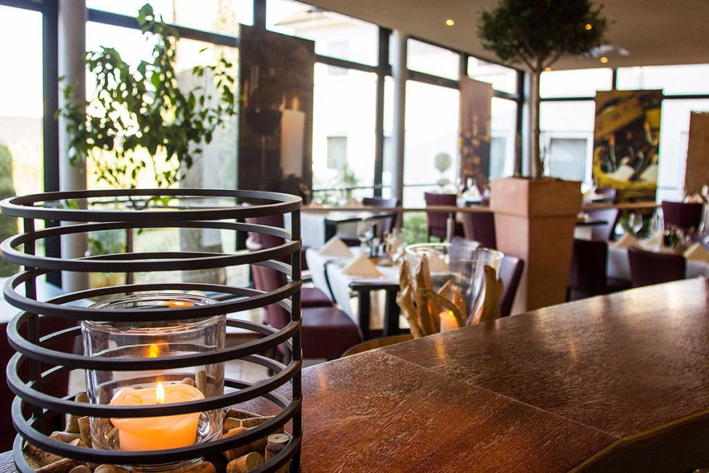 Ambiente genießen im Wintergarten.Restaurant